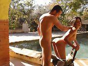 Buitenseks bij het zwembad