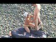 Betrapt op seks op het strand