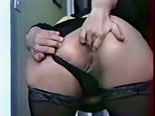 Pornoster doet anaal